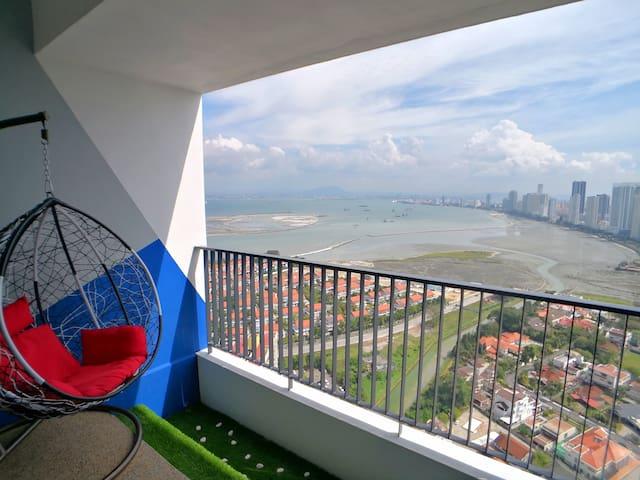 无敌海景日出套房 Sunrise Seaview Condo with Balcony @Lv39