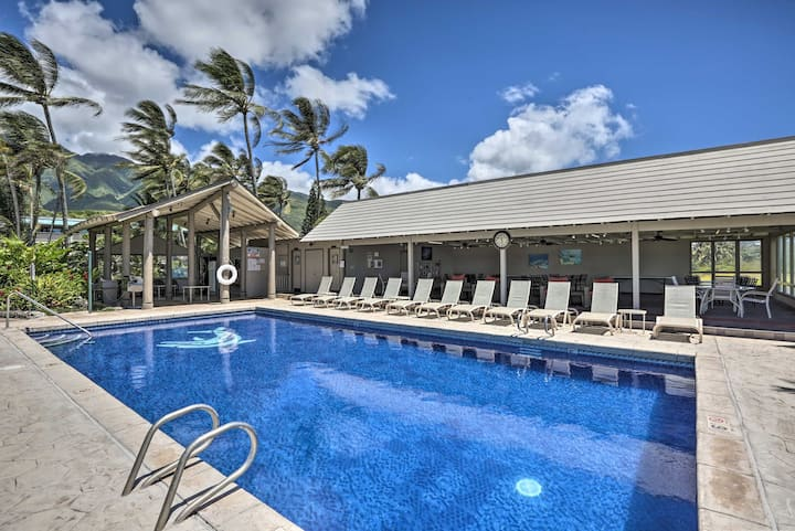 NEW! Hawaii Haven: Condo w/Comm Pool + Ocean Views