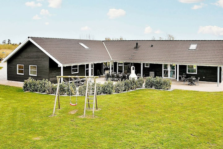 Beautiful Holiday Home in Væggerlose with Private Pool