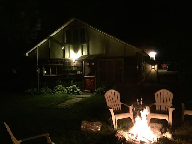 Cozy cabin near Lake George