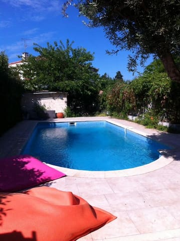 Bas de villa privatif avec piscine privée