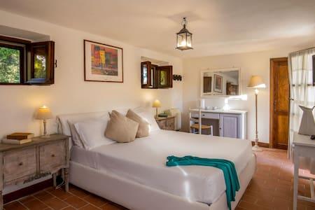 Pitigliano Room