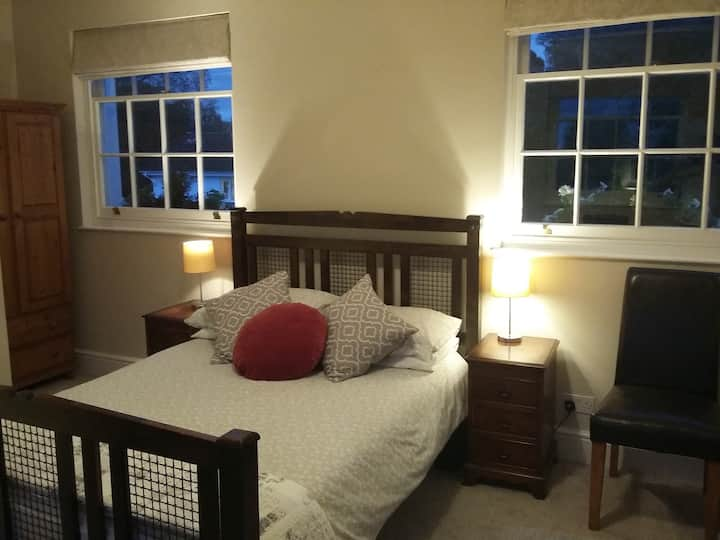 Cheltenham Regency House, double room, parking.
