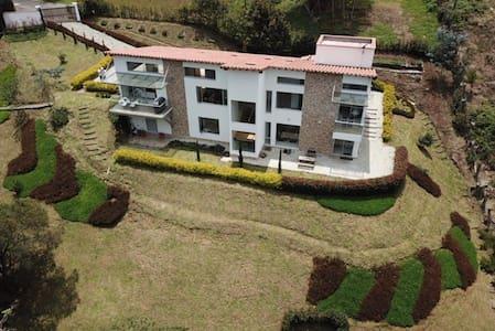 Casa Finca Nueva Rionegro-La Ceja cerca Aeropuerto