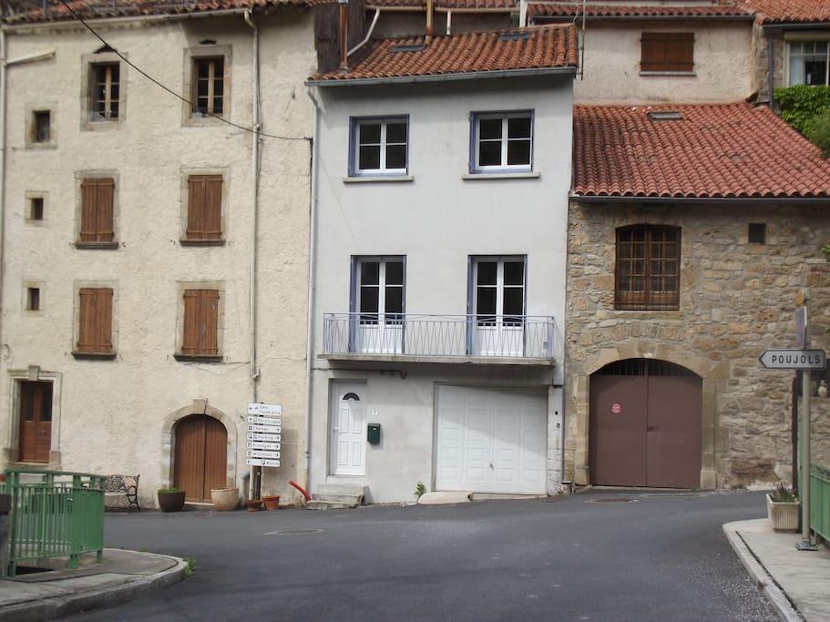 Maison de village(Blanche)