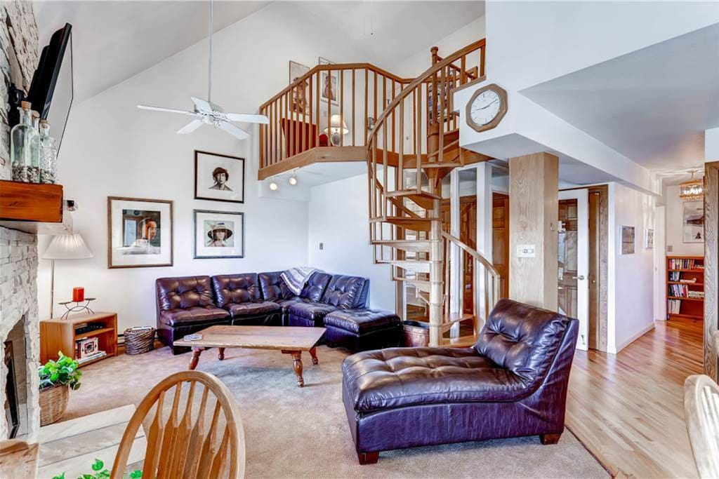 Couch,Furniture,Crib,Banister,Handrail
