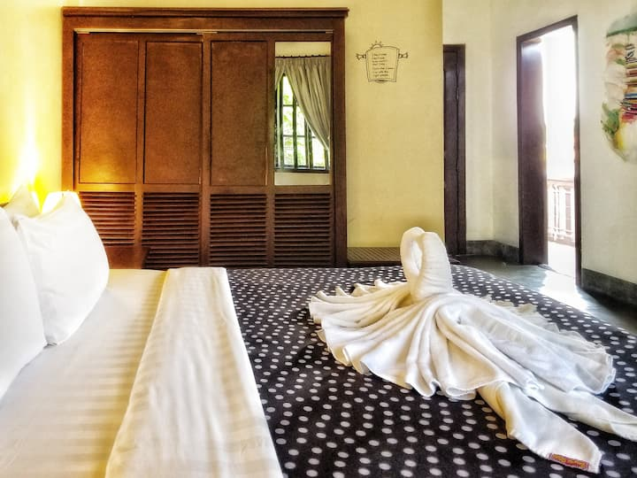 Luxurious Double Room (No-Breakfast)