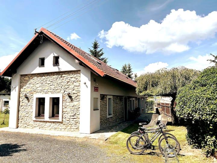 Útulný dům pro odpočinek - základna cykloturistiky