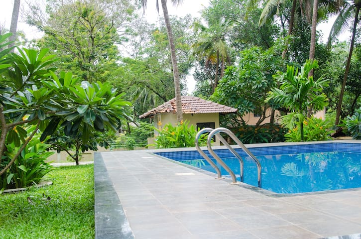 3 Bedroom Apartment with Pool & Terrace in Mapusa - Canca - Apartment