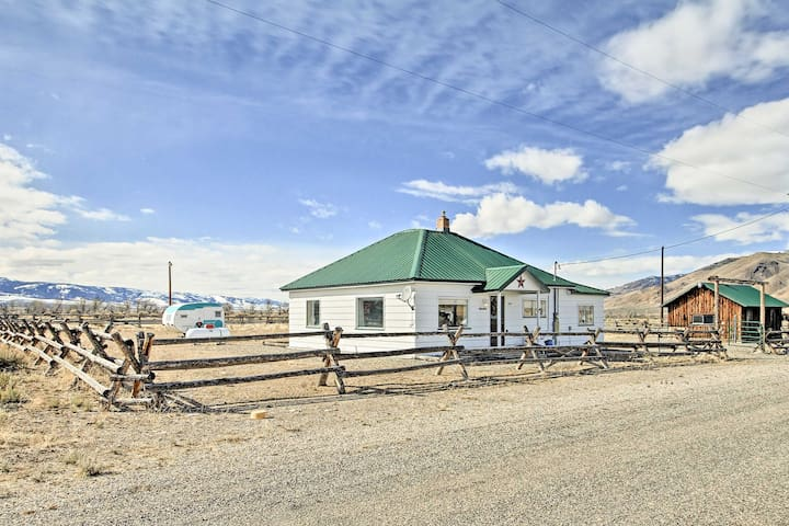 NEW! Leadore Family House on 1 Acre w/ Mtn Views!