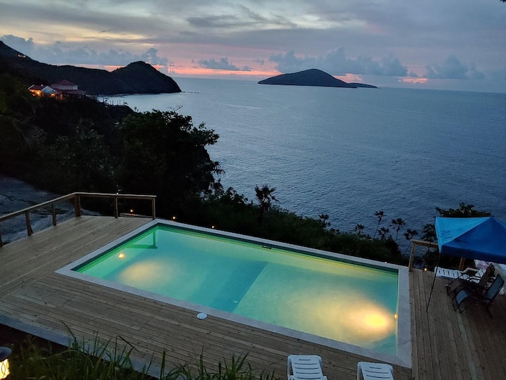Secluded Oceanfront Getaway! 2 bdrm w pool!
