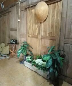 rumah kampung Jawa yang eksotis