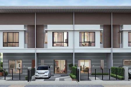 Room for rent near Wat Borom Raja Kanjanapisek - Tambon Bang Bua Thong - Townhouse