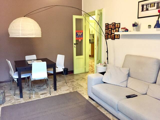 Cozy apt in Milan city center (next to subway M3) - Milán - Departamento