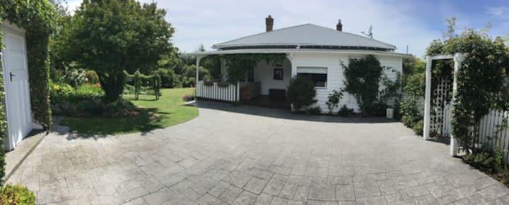 Sun Soaked Hill Top Sanctuary