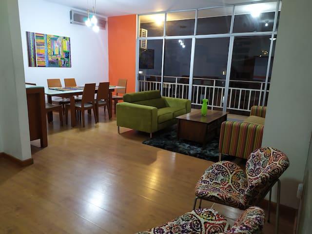 Amplio departamento amoblado en Guayaquil