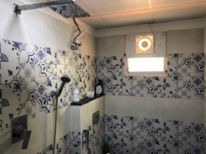 2 Posh suites in duplex villa near Airport/