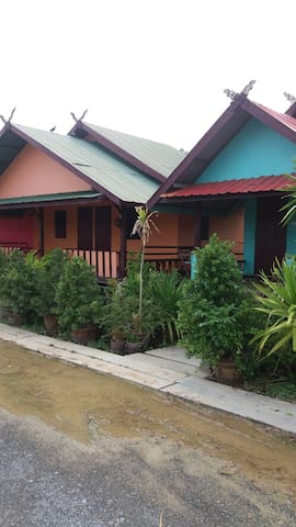 Travellers Overnighter Prasopsuk - Nong Prue - Bungalow