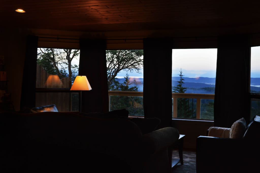 800 square feet of living space overlooking boundless amounts of nature.