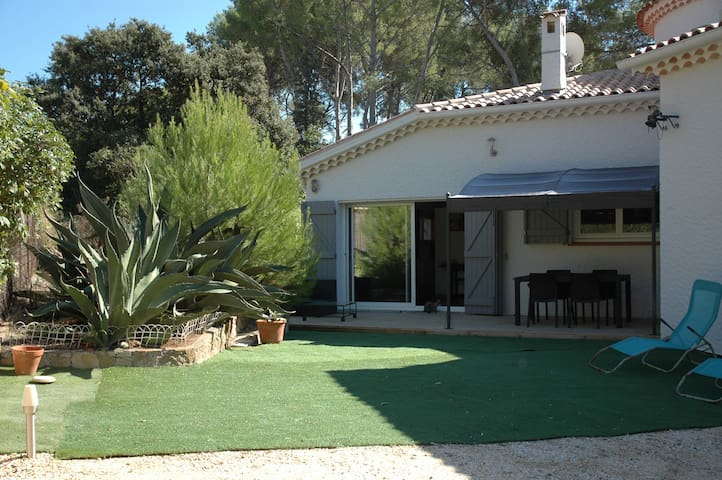 T2 35m2 clim calme jardin 200m2 houses for rent in for Jardin 200m2