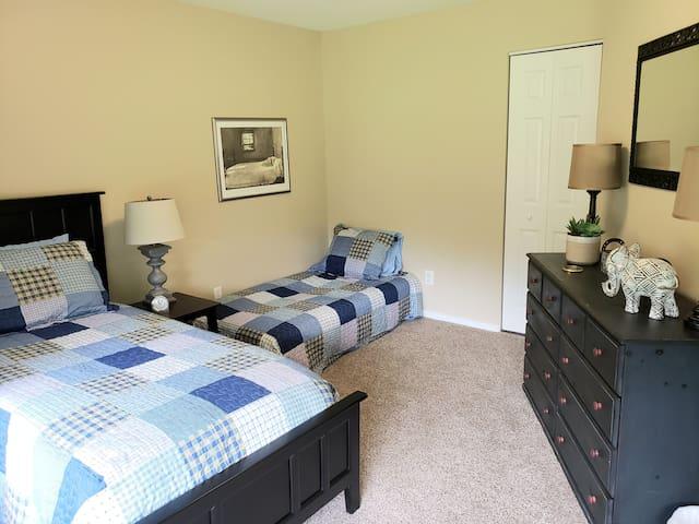Third Bedroom:  Single Bed & Single Futon