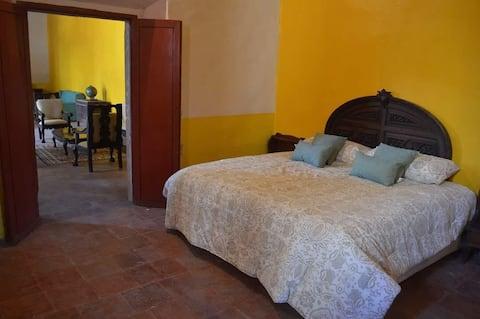 Acogedora habitación colonial - Cama King size