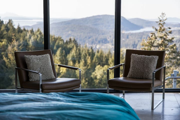 Exclusive Mountain Top Luxury Retreat with Pool!