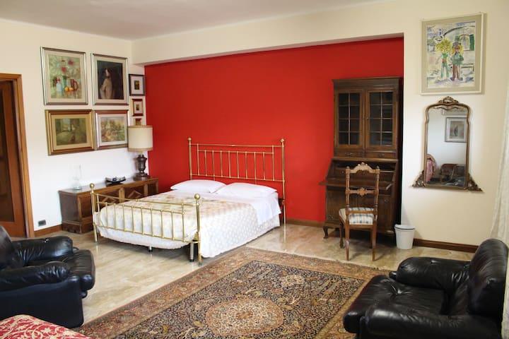 Camera Cristiana 3 posti letto - L'Aquila - Apartment