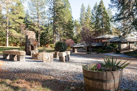 MOUNTAIN SHADOWS RETREAT - Foresthill