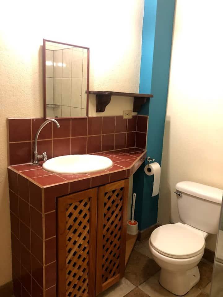 Two-bedroom patio apartment-Samara center-AC-WiFi