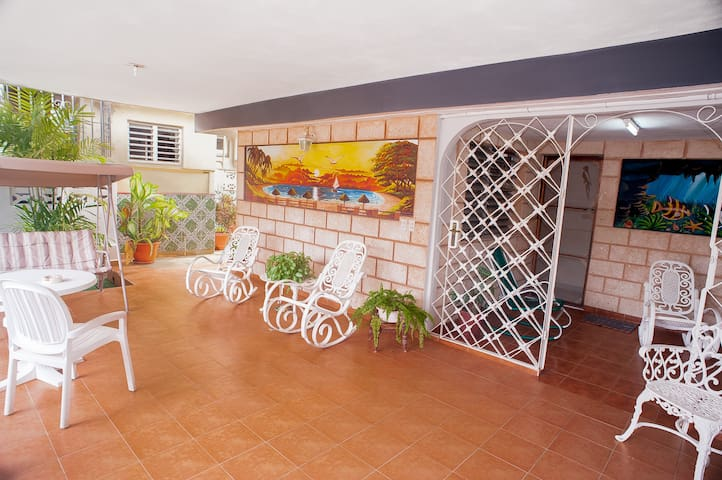*Comfy & Luxury Villa With Pool in Varadero 2*