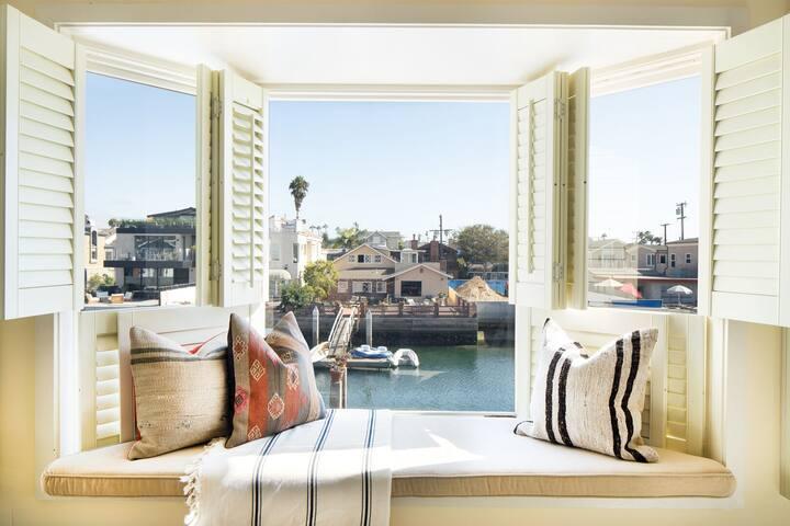 Starboard by AvantStay | Secluded Island Home w/ Private Dock w/ Kayaks