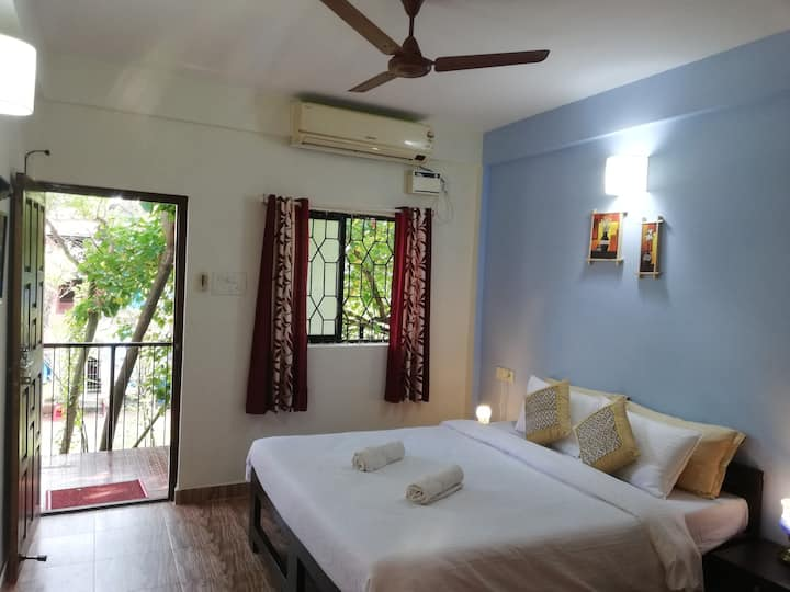 Sea-view Studio Apartments in Candolim