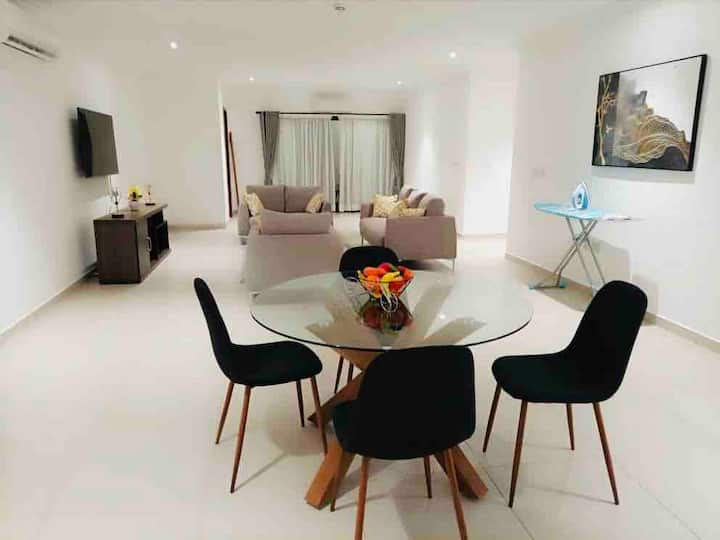 Cozy Spacious Gem in Accra; In Upscale Secure  Loc
