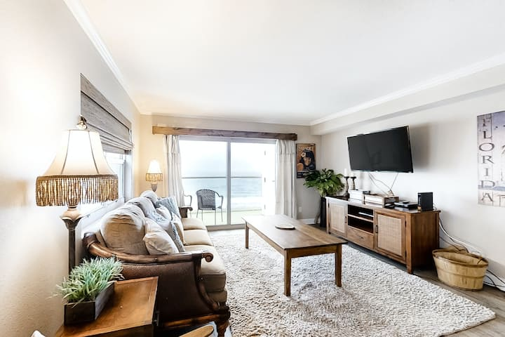7th Floor Gulf-Front Condo On Pensacola Beach, On-Site Pool, Full-Kitchen