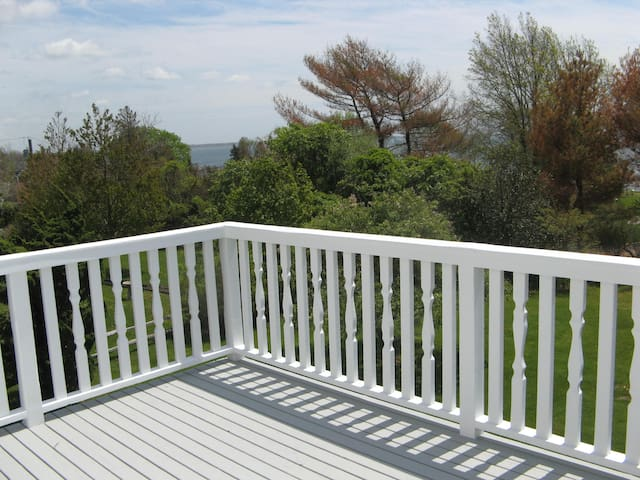 Immaculate Home with Water Views - Walk to All! - Bellport - House