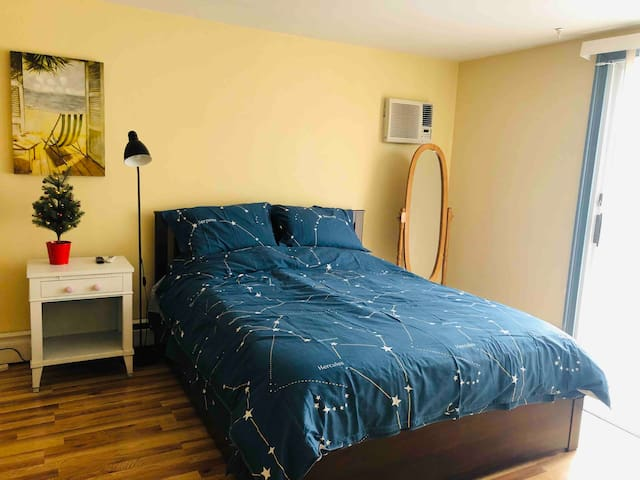 Sweet & comfortable Guest Suite ( newly furnished)