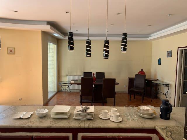 Très belle maison à hydra très calme