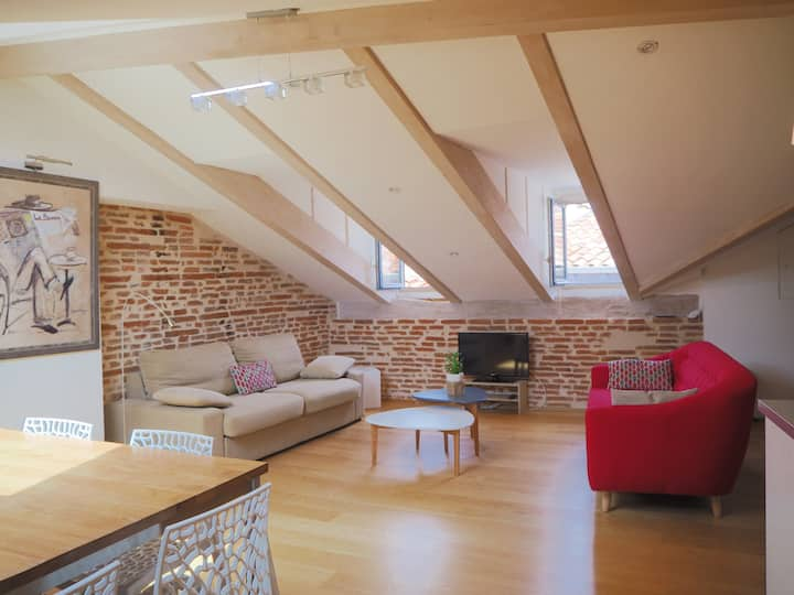Loft 4 ****  Place du Capitole, optional car park