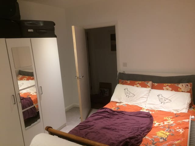 Luxu en suit double room with your own patio - Stanmore - Apartment