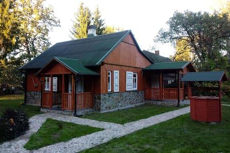 Komfortowy, odrestaurowany w 2019 wiejski dom