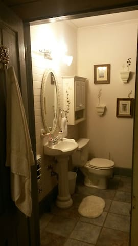 Downtown one bedroom hideaway - Dothan - Appartement