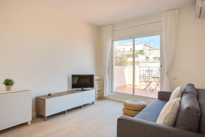 Penthouse with wonderful terrace *Bcn*