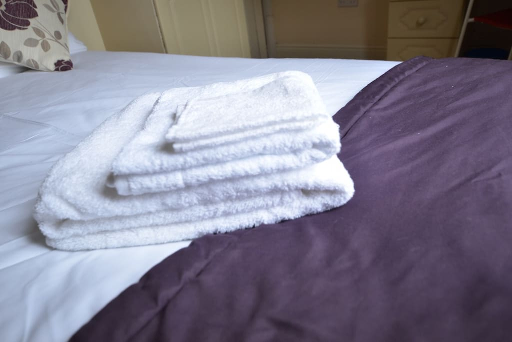 COMPLIMENTARY TOWELS