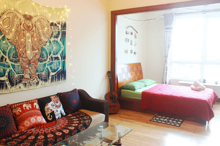 Cozy studio near center + Free ROOFTOP pool - Ho Chi Minh City