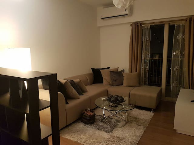 New luxury 1 BR condo 10 mins from Clark - Angeles - Wohnung