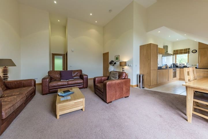 Mains of Taymouth, Kenmore, 5* 2 The Gallops, first floor apartment