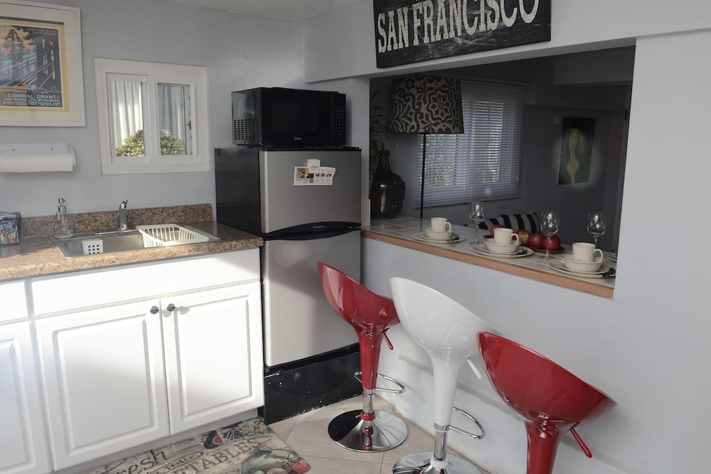 Full size kitchen with supplies