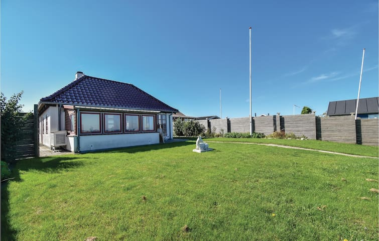 Holiday cottage with 2 bedrooms on 56m² in Otterup