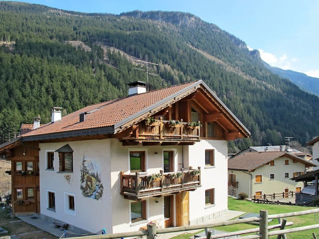 1-room apartment in a chalet in the beautiful mountain surroundings